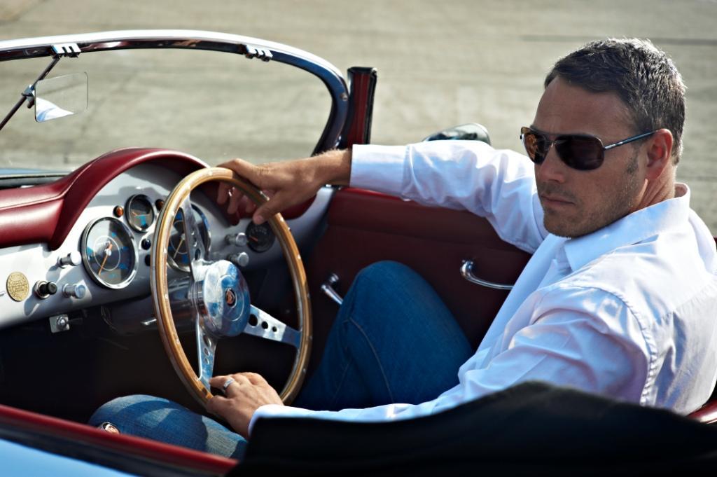 Фото мужских очков для вождения пример