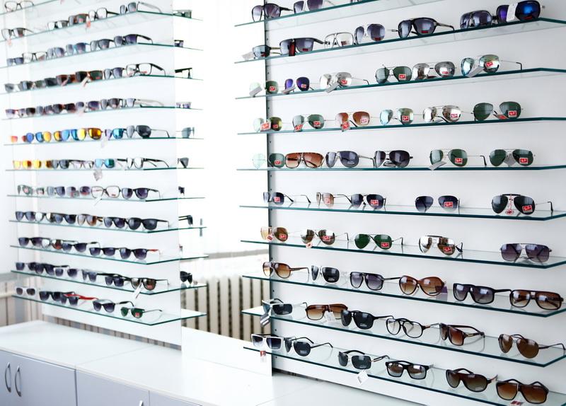 Магазин солнцезащитных очков в Черновцах