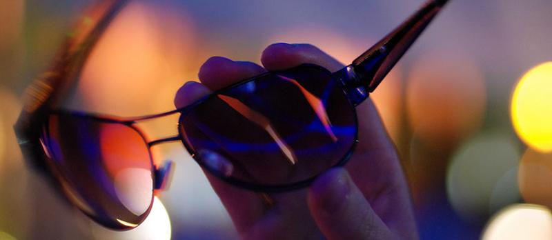 правила этикета ношения солнцезащитных очков фото