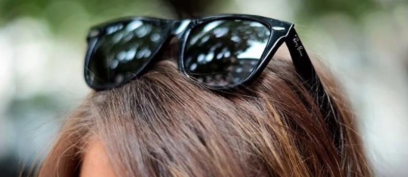 почему нельзя носить очки на голове фото
